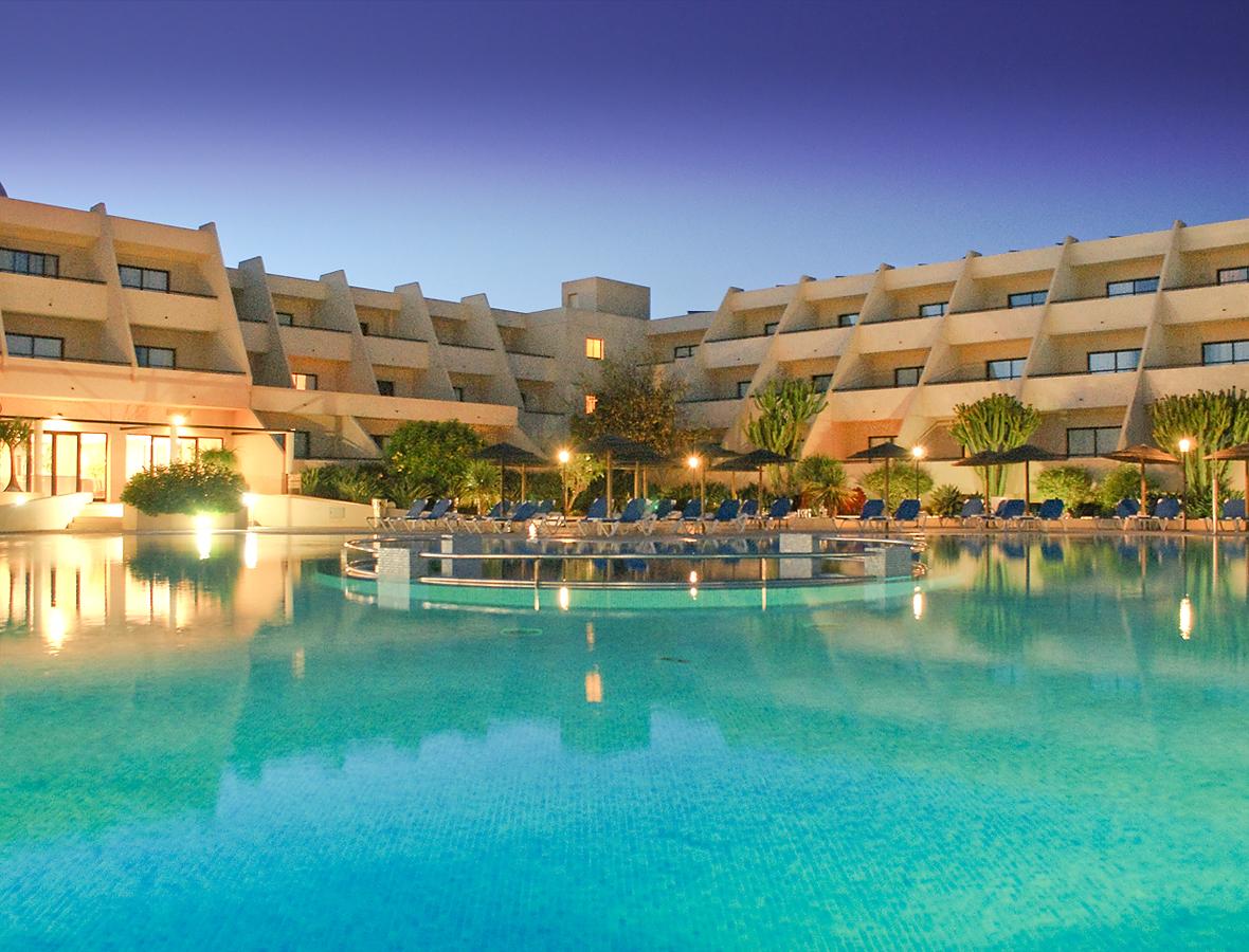 Hotel coronas playa costa teguise lanzarote for Designhotel lanzarote